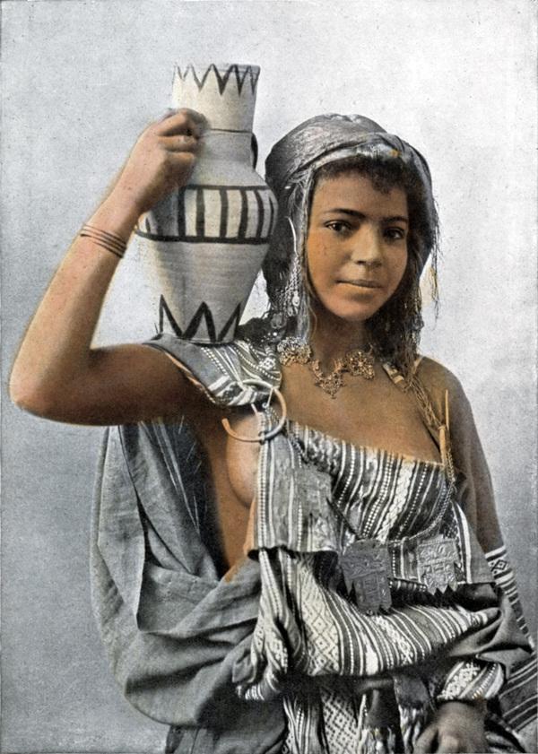 Берберская девушка Девушки, Алжир, Берберы, Колоризация