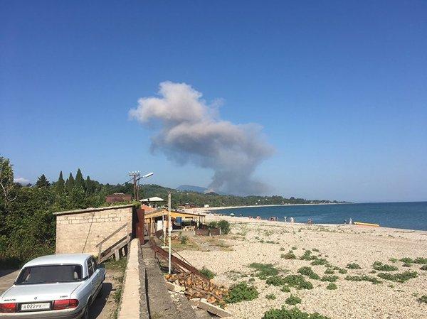50 человек пострадали в результате взрыва на складе боеприпасов в Абхазии Абхазия, взрыв, происшествие