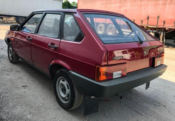"Капсула времени: новая вишневая ""Девятка"" ВАЗ-21093 1990 года с пробегом 49 км капсула времени, авто, Интересное, находка, drive2, Раритет, длиннопост, Видео"