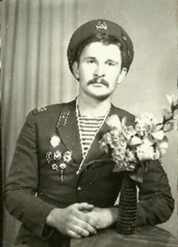 С праздником! актеры, Фёдор Добронравов