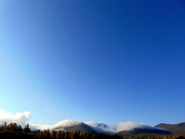 Туман Обнимает горы. Фотография, Моё
