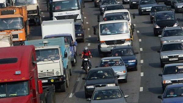 СМИ: В России могут запретить пускать бензиновые автомобили в крупные города общество, Политика, Россия, транспорт, авто, город, Медведев, russia today
