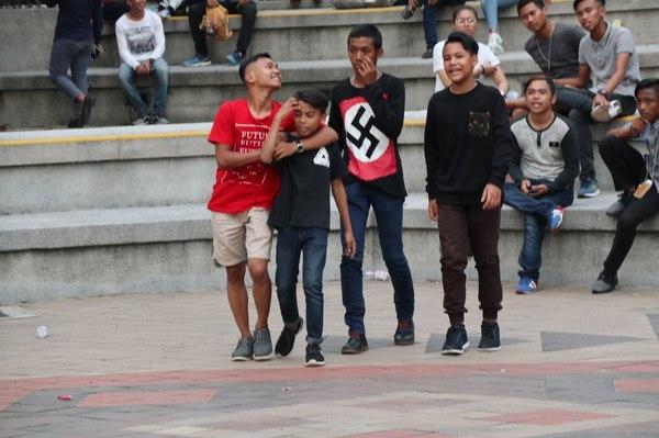 Молодёжь из Куала-Лумпура Куала-Лумпура, молодежь