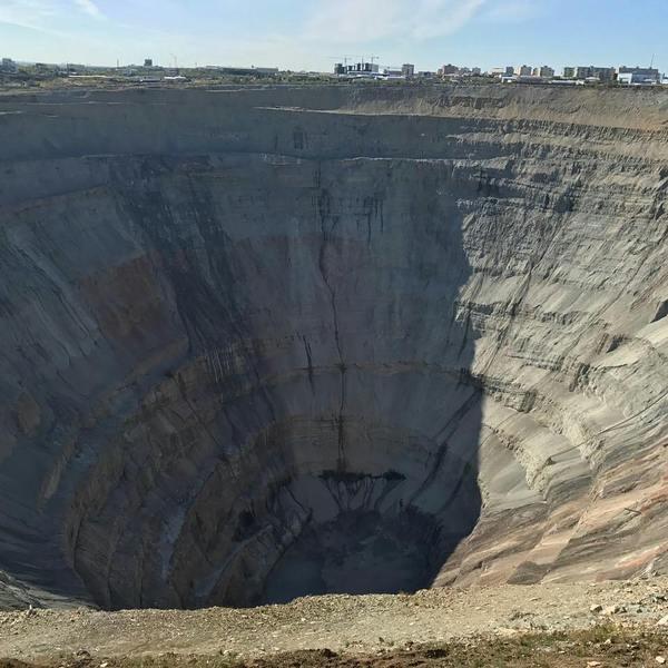"""Страшные переписки с мобильного мессенджера вокруг ЧП на руднике """"Мир"""" Якутия, мирный, мир, рудник, шахта, шахтеры мир, Видео, длиннопост"""