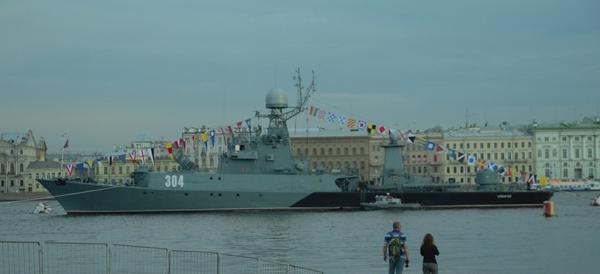 Что это тут у нас? .. а кондиционер кондиционер, корабль, вмф, новый уренгой, Санкт-Петербург, парад, День ВМФ