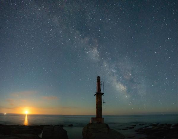 Восход луны и млечный путь астрофото, владивосток, Приморский край, дальний восток, Луна, млечный путь, остров русский