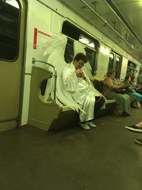 Кого только не встретишь в Московском метро.