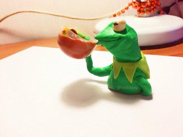 Ещё лягушка (Кермит) Пластилиновые мемы, лепка, Пластилин, Pepe, лягушонок Кермит, стендап-кот, Хватит на этом тегов