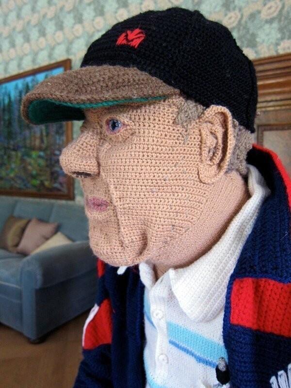 Бабушка связала себе дедушку