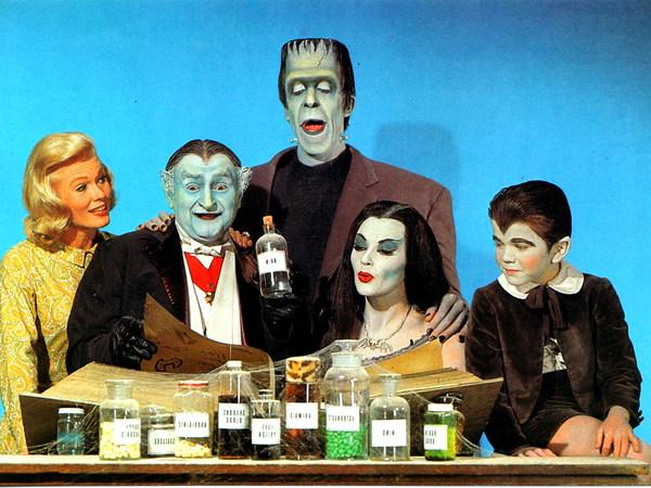 """NBC перезапустит """"Семейку монстров"""" я знаю чего ты боишься, ужасы, монстр, семейка монстров, сериалы, анонс, длиннопост"""