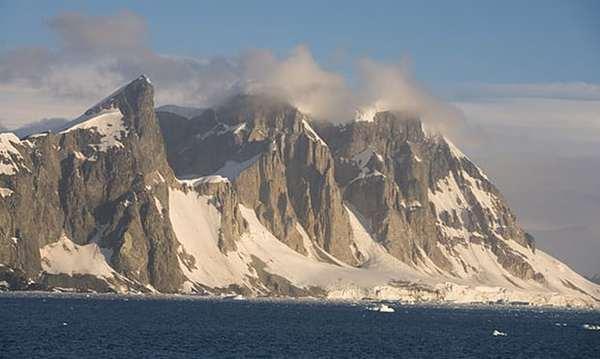 Подо льдами Антарктики нашли 91 вулкан Антарктика, Подо льдами, Вулканический пояс, Интересное, Длиннопост