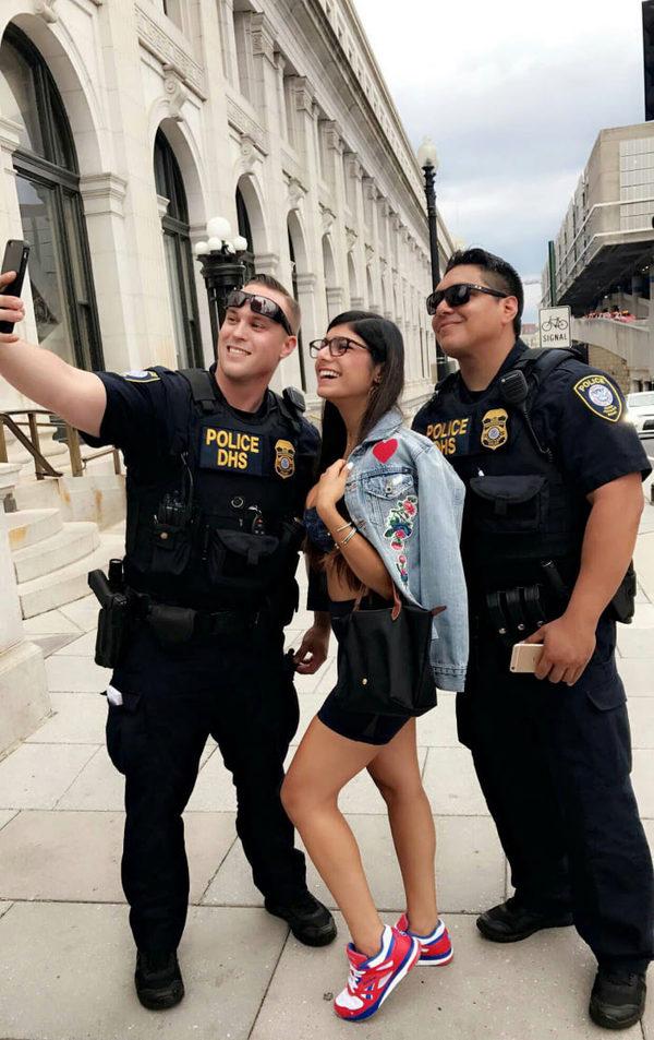 Полицейские в теме