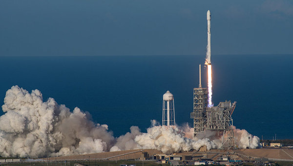 Прямая трансляция запуска ракеты Faclon 9 сегодня в 19:31 по мск spacex, Falcon 9, дракон