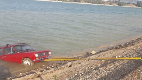 Крымские спасатели доставали красный ВАЗ из моря, и голубой кабриолет повисший над обрывом. Крым, Происшествие