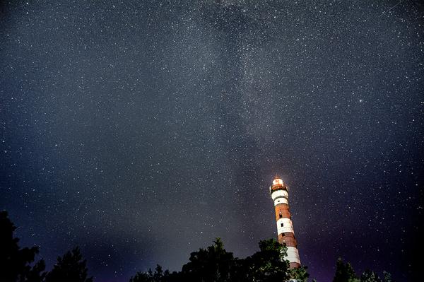 Маяк в Осиновце. Ленинградская область, Ладога Ладога, Ладожское озеро, Осиновец, Осиновецкий маяк, Млечный путь, Звёзды, Небо, Ночь