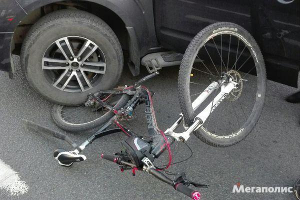 Водитель специально сбил велосипедиста, который сделал ему замечание велосипед, велосипедист, автомобилисты, Санкт-Петербург