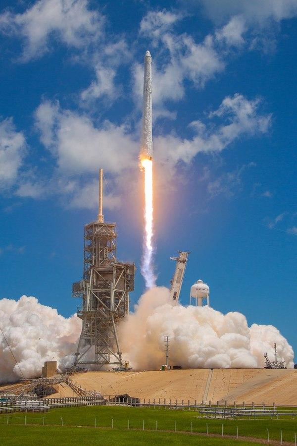 Фото SpaceX CRS-12 в хорошем качестве. Илон Маск, spacex, Falcon 9, SpaceX Dragon, spacex crs-12, ракета носитель, космос, лента, длиннопост