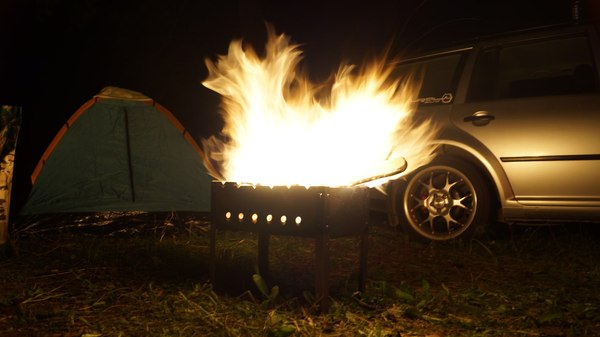 Немного огня в ночи теплого августа)