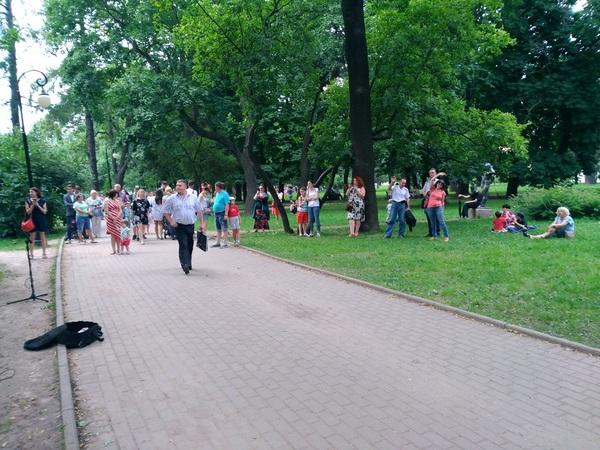 Юмор: Обычный питерский уличный концерт фотография, Сварщик, концерт, улица, юмор, Санкт-Петербург