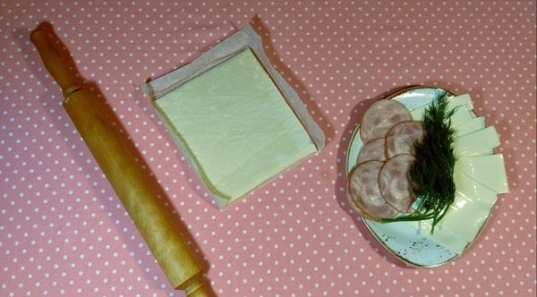 Слоеные рулетики с ветчиной и сыром. Супер простая и вкусная закуска! рецепт, видео рецепт, фоторецепт, закуска, рулеты, Слоеное тесто, выпечка, длиннопост, видео