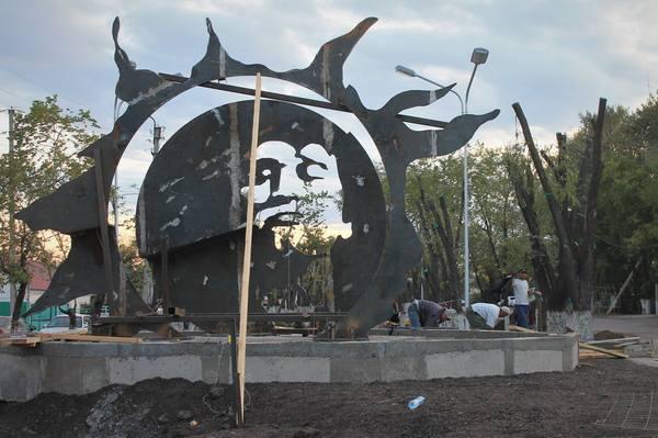 Памятник Виктору Цою в Караганде Виктор Цой, Караганда, Казахстан, Цой-жив, Памятник