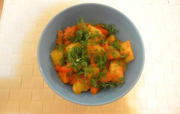 НеБыстрые рецепты. Очень ароматное жаркое с говядиной, картошкой и помидорами. кулинария, рецепт, жаркое, фоторецепт, длиннопост, видео