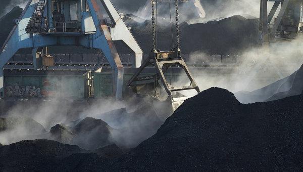 США отправили на Украину первую партию угля Украина, Политика, порошенко, США, уголь, экономика, РИА Новости, новости