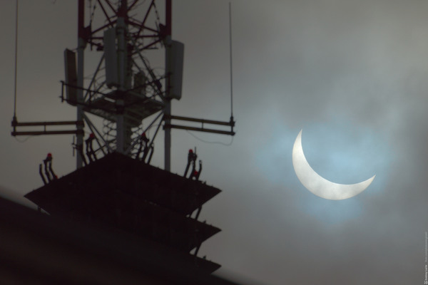 Затмение 20 марта 2015 затмение, 2015, архангельск, небоскреб, 500мм