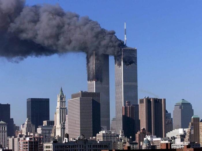 16 лет прошло с тех пор, как люди выпрыгивали из окон горящих небоскребов ВТЦ Теракт, ВТЦ, 11 сентября