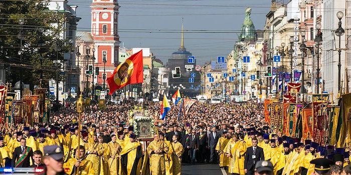 Картинки по запросу крестный ход в петербурге фото
