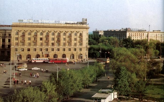 Одна из причин, почему я уехала из Волгограда... Волгоград, Пойма реки царица, Мамаев курган, Вырубка, Вырубка деревьев, Длиннопост