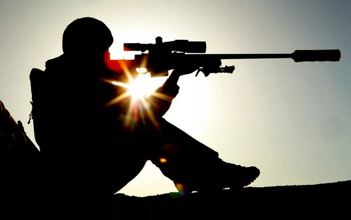 Охрана трахают девушку снайпера