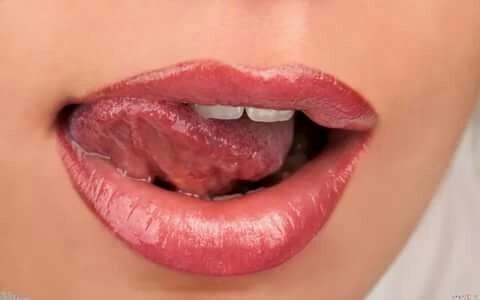 Лесби подскажите как имитировать минет соблазнила сантехника секс