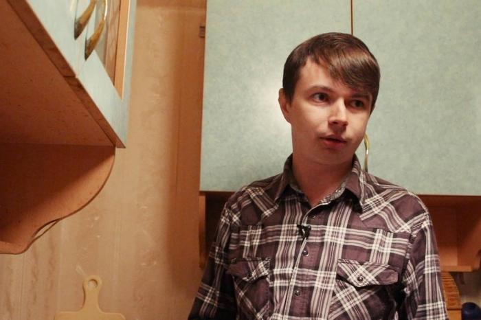 Молодой человек целый месяц жил на МРОТ. Он сильно похудел и стал заторможенным МРОТ, Эксперимент, Россия, Длиннопост