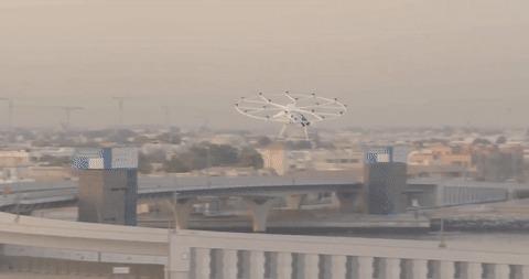 Немецкое аэротакси совершило первый полет в Дубае Новости, Технологии, Аэротакси, Транспорт, Будущее наступило, Гифка, Видео