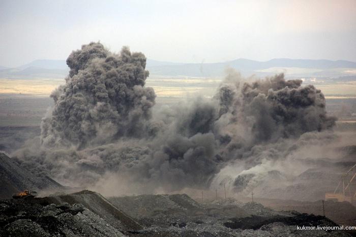 Вот так выглядит взрыв суммарной мощностью в 2700 тонн тротилового эквивалента Взрыв, Промышленность, Россия, Моё, Фотография, Гигантизм, Тротил, Длиннопост