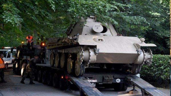 """Как немецкий дедушка хранил танк """"Пантера"""" у себя в подвале. Германия, Военная техника, Коллекционирование, Длиннопост"""