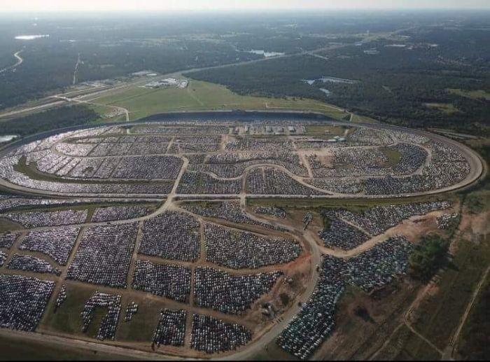 В Хьюстоне готовятся к утилизации автомобилей-утопленников Хьюстон, Авто, Утилизация, Длиннопост