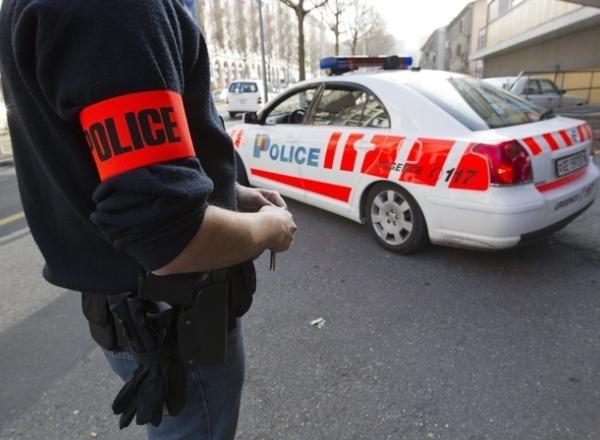 """Результат пошуку зображень за запитом """"полиция в швейцарии"""""""