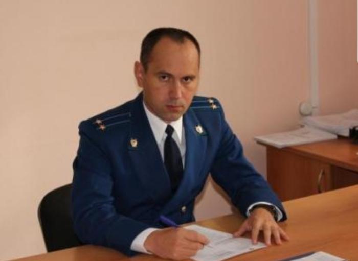 В Ульяновской области мужчина избил прокурора, соблазнившего его 13-летнюю дочь Прокуратура, Больной ублюдок, Криминал, Новости