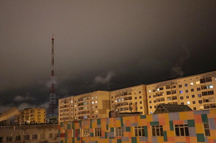 Небо, облака, городской пейзаж.
