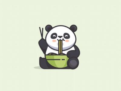Милая панда кушает