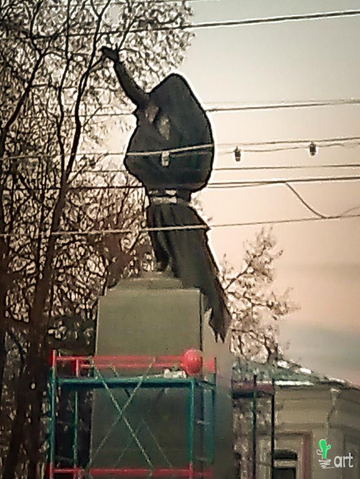Первый памятник в России Нейромонаху Феофану!