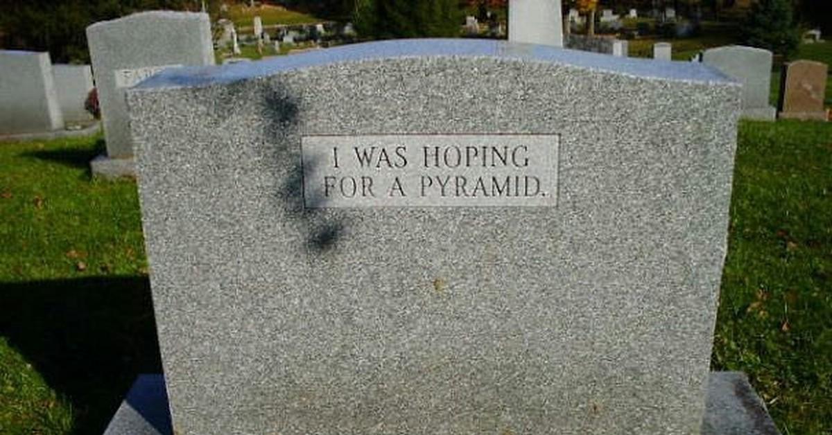 Фото плита на могиле с позитивной надписью скоро встретимся, год близнецам новогодние