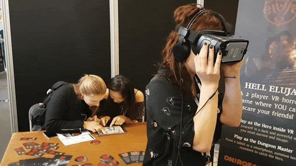 """Хоррор-игра VR, в которой ты находишься в подземелье и ваши друзья могут """"помещать"""" к вам разных монстров с телефона или планшета Hell Eluja, Хоррор игра, Ужасы, Виртуальная реальность, Гифка"""