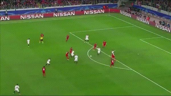 Идеально, прямо из мяча
