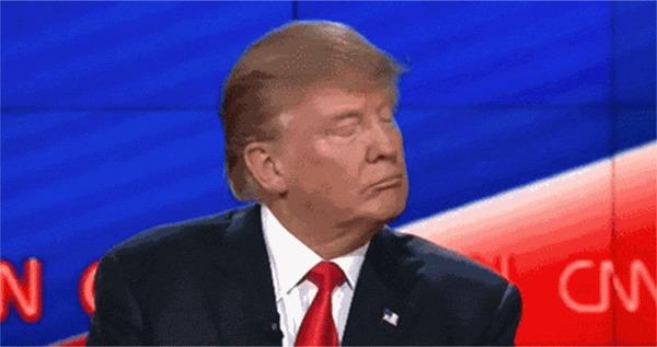 Когда ты важнее президента. Сотрудник Twitter в последний день работы отключил аккаунт Трампа Дональд Трамп, Twitter, Работа, Президент, США, Гифка, Политика