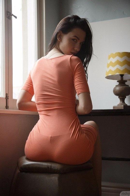 Прозрачная одежда сиси