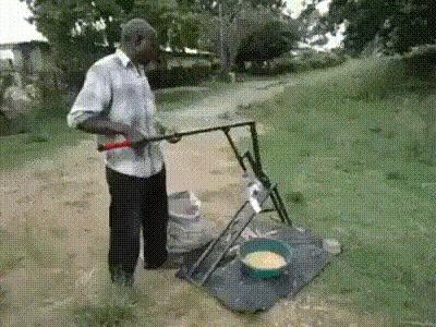 Очищаем кукурузу