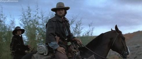 Клинт Иствуд не только метко стреляет... Фильмы, Собака, Клинт Иствуд, Вестерн, Гифка
